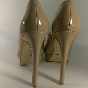 Chinese Laundry nude heels new 7 patent platforms!
